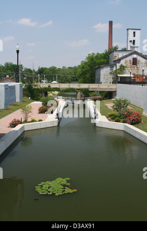 Lock 13 on a restored section of the Miami - Erie Canal in St Marys, Ohio, USA. - Stock Photo