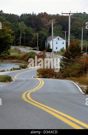 Elk282-1708v Maine, Deer Isle, rural highway