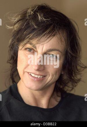 (dpa) - Italian rock singer Gianna Nannini pictured during a press photo shooting in Hamburg, 2 October 2002. Born - Stock Photo
