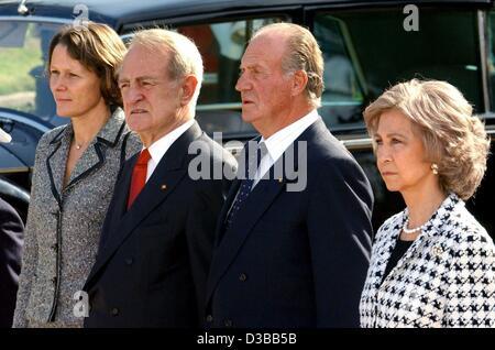 (dpa) - From L: Christina Rau, wife of the German President, President Johannes Rau, King Juan Carlos of Spain and - Stock Photo