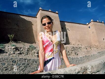 (dpa) - Actress Naike Rivelli poses in Quarzazate, Morocco, 10 March 2002. During the shooting of the TV mini series - Stock Photo