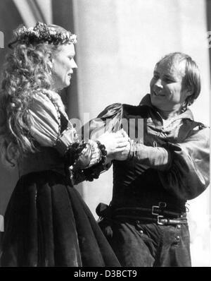 (dpa files) - Austrian actor Klaus Maria Brandauer and Marthe Keller star in the Hugo von Hofmannsthal piece 'Jedermann' - Stock Photo