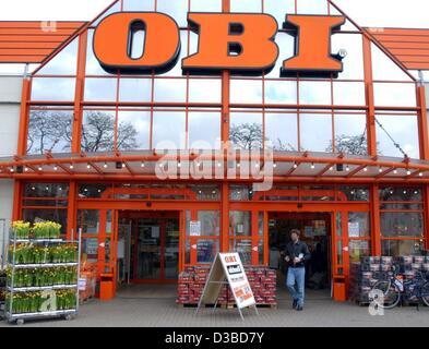 obi diy store stock photo 66646497 alamy. Black Bedroom Furniture Sets. Home Design Ideas