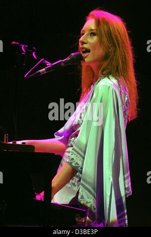 (dpa) - US singer and pianist Tori Amos has started her tour in Germany with a concert in Oberhausen, 21 January - Stock Photo