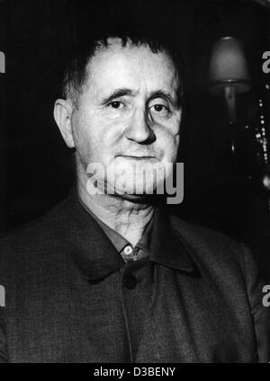(dpa files) - An undated filer shows German author and dramatist Bertholt Brecht. He was born on 10 February 1898 - Stock Photo