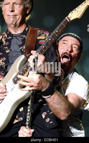 Ian Anderson and Martin Barre of the band Jethro Tull in ...