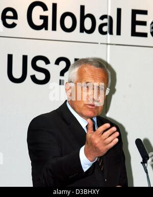 (dpa) - Czech President Vaclav Klaus speaks during the opening conference at the Second Munich Economic Summit in - Stock Photo