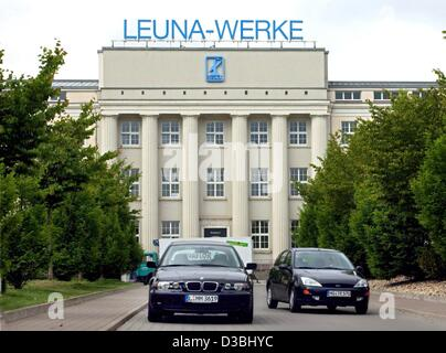 (dpa) - A view of the former headquarters of the Leuna Werke in Leuna, eastern Germany, 7 May 2003. Leuna, famous - Stock Photo