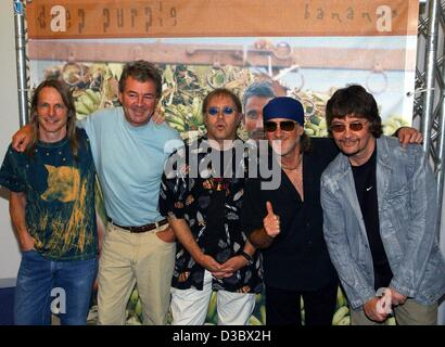 (dpa) - Steve Morse, Ian Gillan, Ian Paice, Roger Glover and Don Airey (L-R), the members of the British rock group - Stock Photo