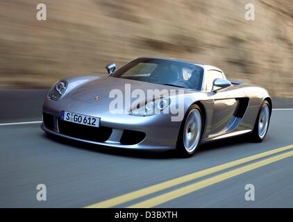 (dpa) - A handout shows the new Porsche Carrera GT (handed out by Porsche on 5 August 2003). Production of the Carrera - Stock Photo