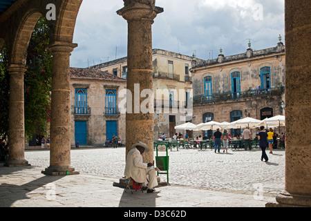Tourists at the Plaza de la Catedral / Cathedral Square in Old Havana / La Habana Vieja, Cuba, Caribbean - Stock Photo