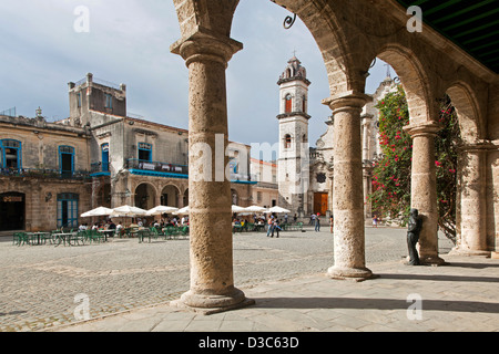 Statue of Antonio Gades at Palacio de Lombillo, Plaza de la Catedral / Cathedral Square in Old Havana / La Habana - Stock Photo