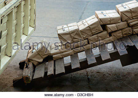 horizontal india loading mail no one nobody order organization package packages pallet paper parcel post postal - Stock Photo