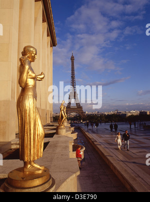 Eiffel Tower (La Tour Eiffel) from Palais de Chaillot, Trocadéro, 16th arrondissement, Paris, Île-de-France, France - Stock Photo