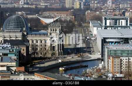 (dpa) - The government sector of Germany's capital Berlin is pictured from a house in Friedrichsstrasse on 24 March - Stock Photo