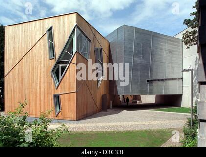 (dpa files) - A view of the Felix-Nussbaum-Museum in Osnabrueck, Germany, 14 July 1998. The museum, designed by - Stock Photo