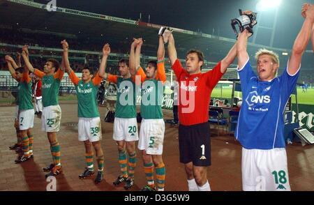 (dpa) - Bremen's players (from L) Paul Stalteri, Valerien Ismael, Nelson Haedo Valdez, Mladen Kristajic, Uemit Davala, - Stock Photo