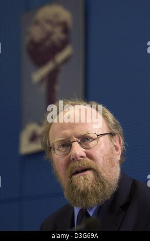 (dpa) - Wolfgang Thierse, the President of the German Bundestag and the Chairman of the curatorship of the foundation - Stock Photo