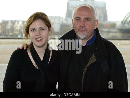 (dpa) - Peter Gabriel, British rock musician and former frontman of 'Genesis', lays his arm around his 29-year-old - Stock Photo