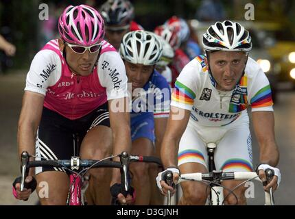 dpa-german-cyclist-and-olympic-winner-jan-ullrich-l-of-team-t-mobile-d3gjnh.jpg