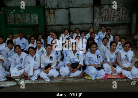 Cambodian Buddhist nuns mourn the loss of King Norodom Sihanouk in Phnom Penh, Cambodia on Friday, Feb. 1st, 2013. - Stock Photo