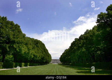 (dpa) - View on the castle Herrenchiemsee on the Herreninsel island at the Chiemsee lake, Germany, 9 June 2005. - Stock Photo