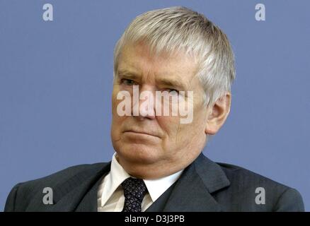 (dpa) - German Interior Minister Otto Schily pictured in Berlin, 5 November 2003. - Stock Photo