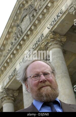 (dpa) - President of the German Bundestag, Wolfgang Thierse, stands in front of the Reichstag in Berlin, Monday, - Stock Photo