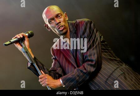 (dpa) - Maxi Jazz, singer of the English band Faithless, performs on stage during the 'Rock am Ring' open air rock - Stock Photo