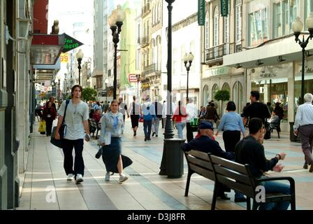 (dpa) - People stroll through the downtown area of Las Palmas, the capital of the atlantic island of Gran Canaria, - Stock Photo