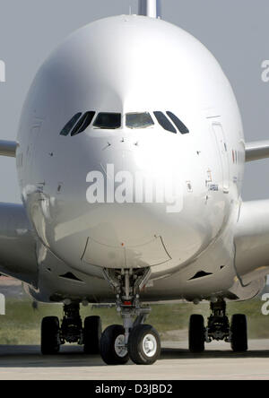 (dpa) - After its successful maiden flight the prototype of the Airbus A380 rolls into its parking position in Toulouse, - Stock Photo