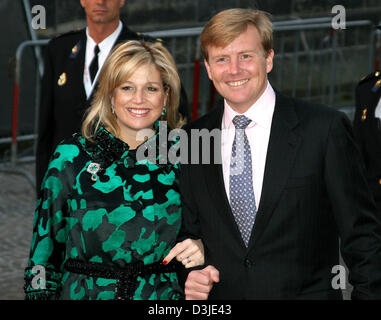 (dpa) - Crown Prince Willem-Alexander of the Netherlands (R) and his pregnant wife Princess Maxima arrive for the - Stock Photo