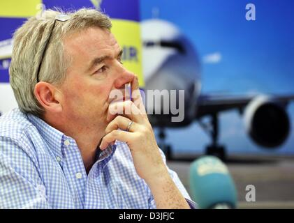 Ryanair CEO Michael O'Leary attends a press conference at Leipzig/Halle airport in Schkeuditz, Germany, 20 February - Stock Photo
