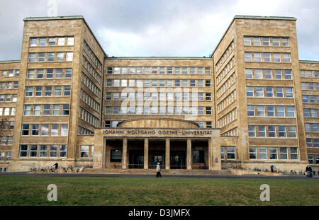 (dpa) - A view across the lawn toward the front entrance of the Poelzig building, the main building of Johann Wolfgang - Stock Photo