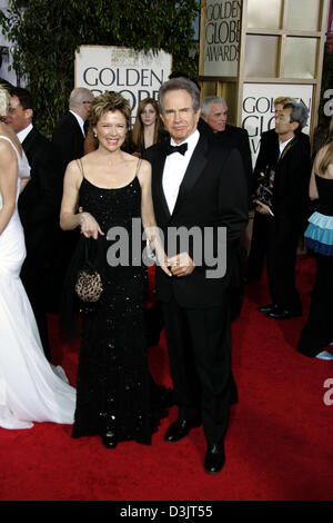 (dpa) - US actress Annette Bening and her husband Warren Beatty smile as they attend the 62nd annual Golden Globe - Stock Photo