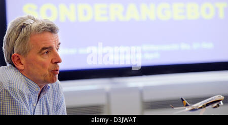 Cologne, Germany. 20th February 2013. CEO of Irish low-cost airline Ryanair, Michael O'Leary, gives a press conference - Stock Photo