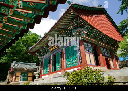 Republic of Korea, Chungcheongbuk-Do, Songnisan National Park, tranquil Bokcheonam Hermitage - Stock Photo