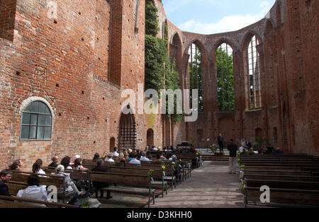 Stralsund, Germany, wedding ceremony in the ruins of the former St. John's Abbey - Stock Photo