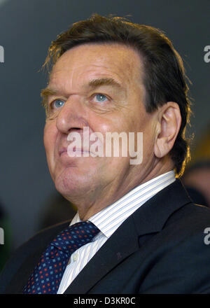 (dpa) - German Chancellor Gerhard Schroeder pictured in Mainz,Germany, 17 August 2005. Schroeder paid a one-day - Stock Photo