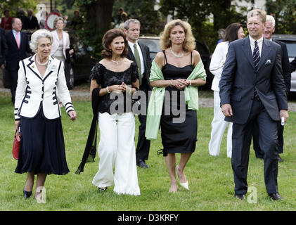 (dpa) - The picture shows Queen Sylvia of Sweden (2nd from L), Princess Barbara of Schleswig-Holstein (2nd from - Stock Photo