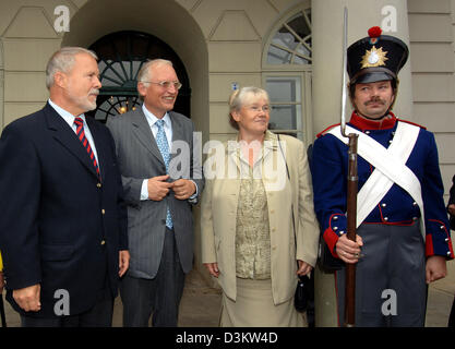 (dpa) - Mecklenburg-Vorpommern's Minister President Harald Ringstorff (L) and Wismar's major Rosemarie Wilcken (2nd - Stock Photo