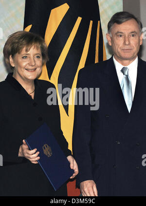(dpa) - New elect German Chancellor Angela Merkel (CDU) is presented her certificate of appointment as German Chancellor - Stock Photo
