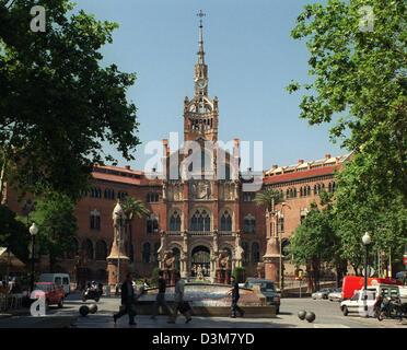 (dpa files) - The main building of the 'Hospital de Santa Creu i Sant Pau', features a colourful mixture of mediaeval - Stock Photo