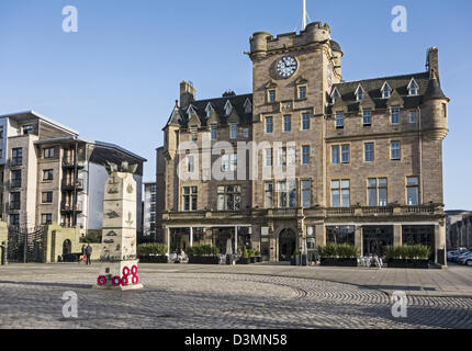 The Merchant Navy Memorial on Tower Place The Shore by Queens Dock in Leith  Edinburgh Scotland with Malmaison Brasserie - Stock Photo