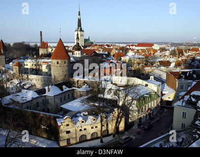 View over the Old Town of Tallinn, Estonia, 23 March 2006. Tallinn, being the former Hanseatic city Reval, is located - Stock Photo