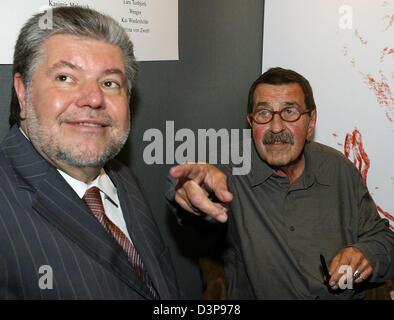 Kurt Beck (L), chairman of the Social Democrats (SPD), and Literature Nobel laureate German author Guenter Grass - Stock Photo