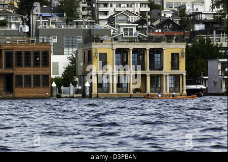 Floating Homes on lake Union, Lake Union, Seattle, Washington, USA - Stock Photo
