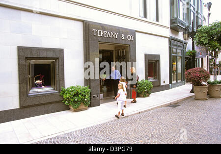Rodeo Drive is a world-famous shopping in Beverly Hills, Los Angeles, California, USA. - Stock Photo
