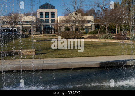 The Walter A Buehler Alumni and Visitors Center at the University of California Davis UC Davis viewed through the - Stock Photo