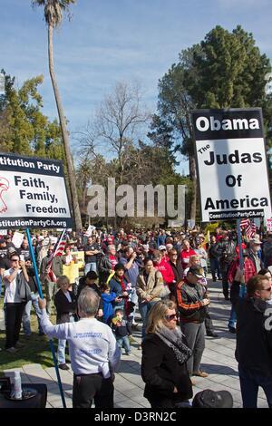 Sacramento, CA, USA. 23rd Feb, 2013. Pro gun right demonstration in Sacramento, CA, USA. Demonstrators are fighting - Stock Photo